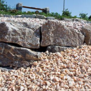 natursteinmauer-splitt